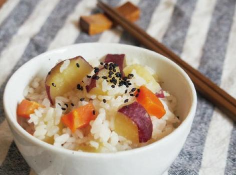 だしパックを使用した真の実(まのみ)甘金時 と 甘果にんじんの炊き込みご飯のレシピ画像