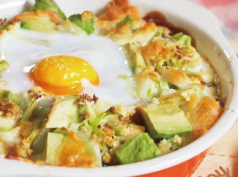 だしパックを使用したクッキーナとアボカドの卵カレードリアのレシピ画像