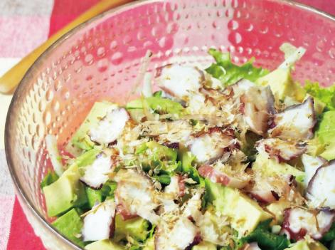 ドレッシングいらず♪蛸とアボカドのサラダ