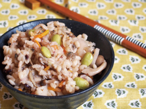 だしパックを使用したあさりの炊き込みご飯のレシピ画像