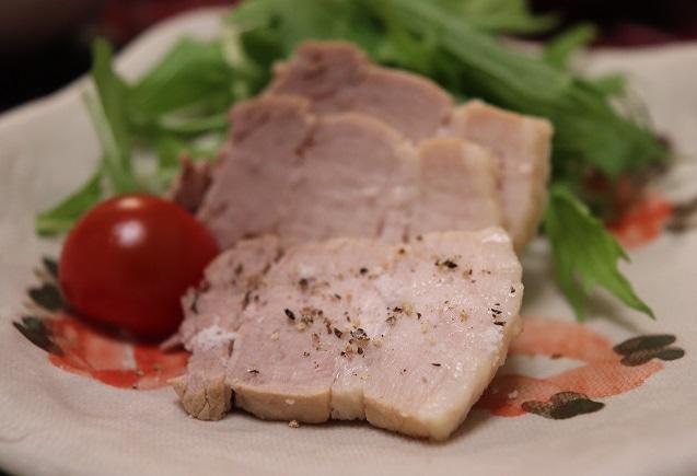 白味噌でコクが出る煮豚